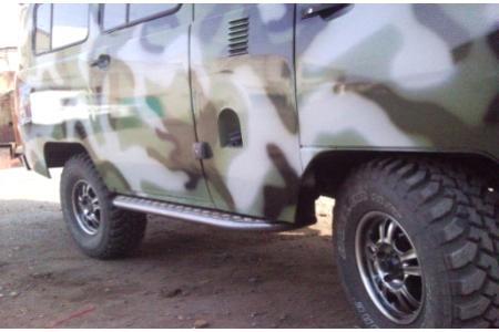 Комплект подножек - защита порогов на УАЗ 452 с защитой бензобаков оптовая продажа